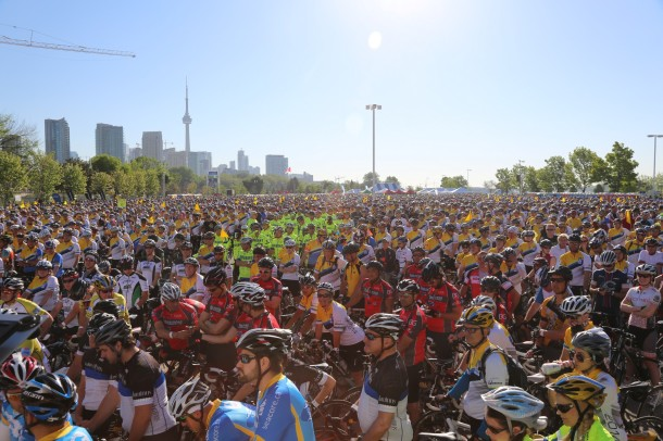 It was incredible to see the sheer amount of people amped up and ready to go on Day 1 at the start line. It was high energy and it really added to the excitement. It also helped that it was such a gorgeous day.